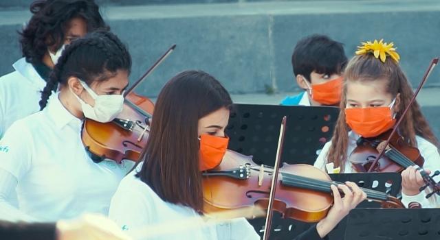 Çocuk koroları Candan Erçetin'le 23 Nisan için söyledi!