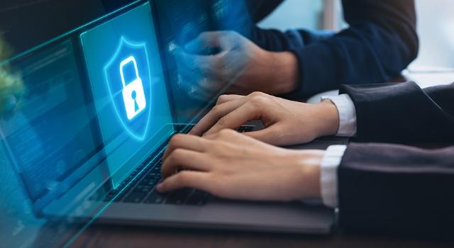 Sağlam parola politikalarıyla birleştirilmiş yama yönetimi, işletmelere yönelik siber saldırı riskini %60'a kadar azaltıyor