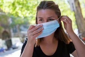 Sıcak Hava ve Maske Cildinizin Düşmanı Olmasın